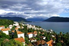 Ansicht Herceg Novi von der Spitze stockbilder