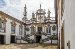 Ansicht am Hof von Mateus Palace nahe Vila Real in Portugal Stockfotografie
