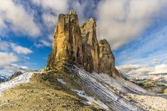 Ansicht an ihm Tre Cime di Lavaredo von Forcella Lavaredo in den Dolomit, Italien Lizenzfreie Stockbilder