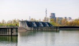 Ansicht industrieller Fabrik Cargill im Straßburg-Schleusenfluß lizenzfreies stockfoto
