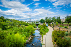 Ansicht kleinen Sugar Creek Greenways und des Elizabeth Parks, in E lizenzfreie stockfotos