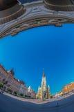 Ansicht Liberty Squares, der Mary Churchs und der Altbauten Novi Stockfoto