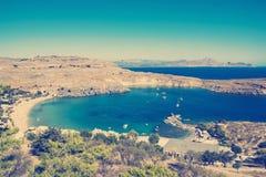 Ansicht an Lindou-Bucht von Lindos Lizenzfreie Stockfotos