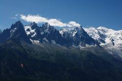 Ansicht Mont-Blanc massiv lizenzfreie stockfotos