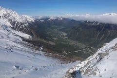 Ansicht nach Chamonix von Aiguille du Midi frankreich Stockfotografie