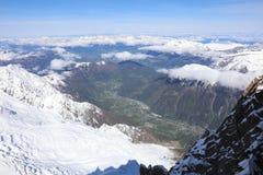 Ansicht nach Chamonix von Aiguille du Midi frankreich Lizenzfreies Stockfoto