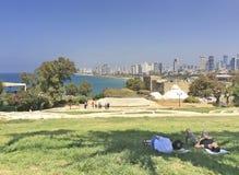 Ansicht nach Tel Aviv von altem Yaffo (Jaffa, Yafo), Israel Stockbild