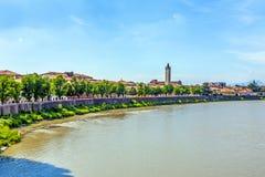 Ansicht nach Verona mit der Etsch Lizenzfreies Stockfoto