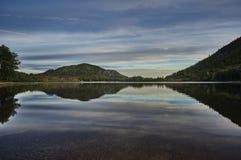 Ansicht am New-hampshire See und an den weißen Bergen Lizenzfreie Stockfotos