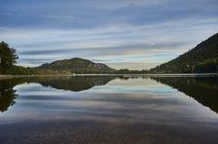 Ansicht am New-hampshire See und an den weißen Bergen Lizenzfreies Stockbild