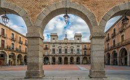Ansicht an Rathaus mit Marktplatz von Avila Stockfoto