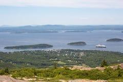 Ansicht in Richtung zu AR-Hafen von Cadillac-Berg im Acadia-Staatsangehörigen Stockfoto