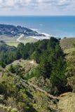 Ansicht in Richtung zur Pazifikküste und zum Montara, McNee-Ranch, Kalifornien lizenzfreie stockbilder