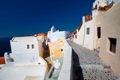 Ansicht Santorini Oia der Dorfstraßen Lizenzfreie Stockbilder
