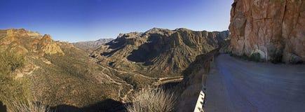 Schöne Apache-Spur, einer der szenischsten Antriebe in USA Stockfotografie