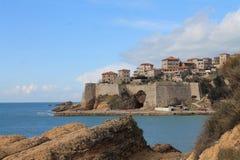 Ansicht Stari-Absolventen und des adriatischen Meeres (Montenegro, Ulcinj, Winter) Stockfotografie