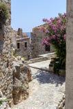 Ansicht Straße verstärkten Stadt-Monemvasia-Laconia, Griechenland, Peloponnes stockbild