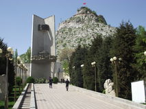 Ansicht Sulayman-Berg in Osh Stockfotografie