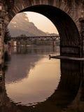 Ansicht unter Brücke Stockfotografie