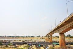 Ansicht unter die Brücke Lizenzfreies Stockbild