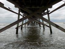 Ansicht unter Pier Stockbilder