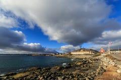 Ansicht vom alten Hafen, von der Kirche unseres Retters und von Greenlandic Lizenzfreies Stockbild