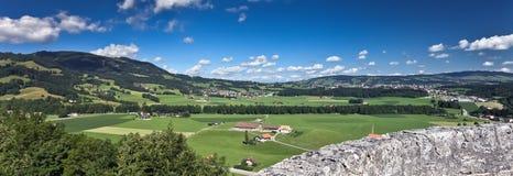 Ansicht vom alten Schloss, Gruyere (die Schweiz) Lizenzfreie Stockfotos