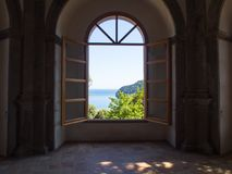 Ansicht vom Aragonese-Schloss Stockfotografie