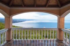 Ansicht vom Balkon der Bucht stockfotografie