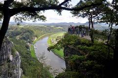 Ansicht vom Bastei auf dem Fluss Elbe stockbilder