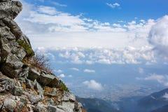 Ansicht vom Berg über den Wolken Lizenzfreies Stockfoto
