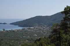 Ansicht vom Berg Ipsarion zum Süden über dem goldenen Strand Stockfotos