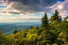 Ansicht vom blauen Hügel übersehen im Acadia-Nationalpark, Maine Lizenzfreie Stockfotografie