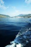 Ansicht vom Boot auf der Boka-Bucht in Montenegro Stockfoto