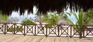 Ansicht vom essenden Haus, zum des Strandes zu versanden Stockfotografie