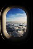 Ansicht vom Fenster des Flugzeugs Stockbilder