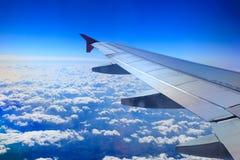 Ansicht vom Fenster eines Flugzeuges Stockfotos