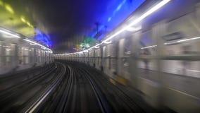 Ansicht vom Fenster in Paris-U-Bahn lizenzfreie stockfotografie