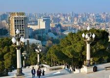 Ansicht vom Gebirgspark auf dem Baku Stockbild