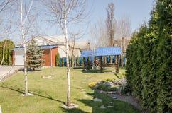 Ansicht vom Hinterhof zu Hause lizenzfreie stockbilder
