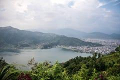 Ansicht vom hohen Berg Stockfotografie