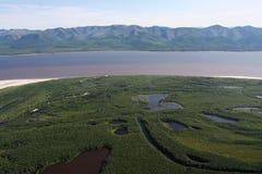 Ansicht vom Hubschrauber auf dem Fluss Lizenzfreies Stockfoto
