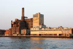 Ansicht vom Hudson auf Domino Sugar Refinery Stockbild
