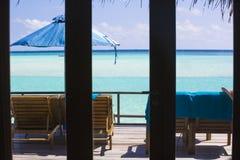 Ansicht vom Innere des Bungalows in den Malediven An dem Dezember Stockbild