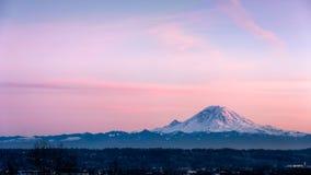 Ansicht vom Mount Rainier im Staat Washington lizenzfreie stockfotografie