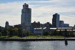 Ansicht vom Pier auf Hudson River in New York Lizenzfreie Stockbilder
