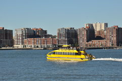 Ansicht vom Pier auf Hudson River in New York Stockfotografie