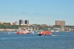 Ansicht vom Pier auf Hudson River in New York Stockbild