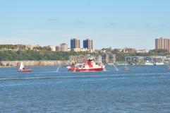 Ansicht vom Pier auf Hudson River in New York Lizenzfreies Stockbild