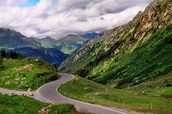 Mountian Straße in Tirol, Österreich. Lizenzfreie Stockfotografie